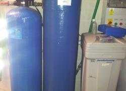 Instalace univerzální úpravny vody s filtrační směsí Ecomix. Změkčení, odželeznění, odstranění manganu a amoniaku - vše jednou směsí!