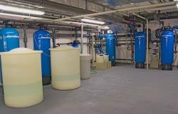 Soustava změkčovacích filtrů a dávkování chemie