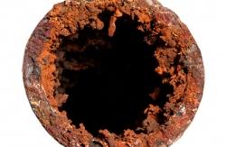 Usazené železo v potrubí